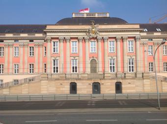 Anhörung im Landtag: Brandenburg soll Beihilfe verbessern